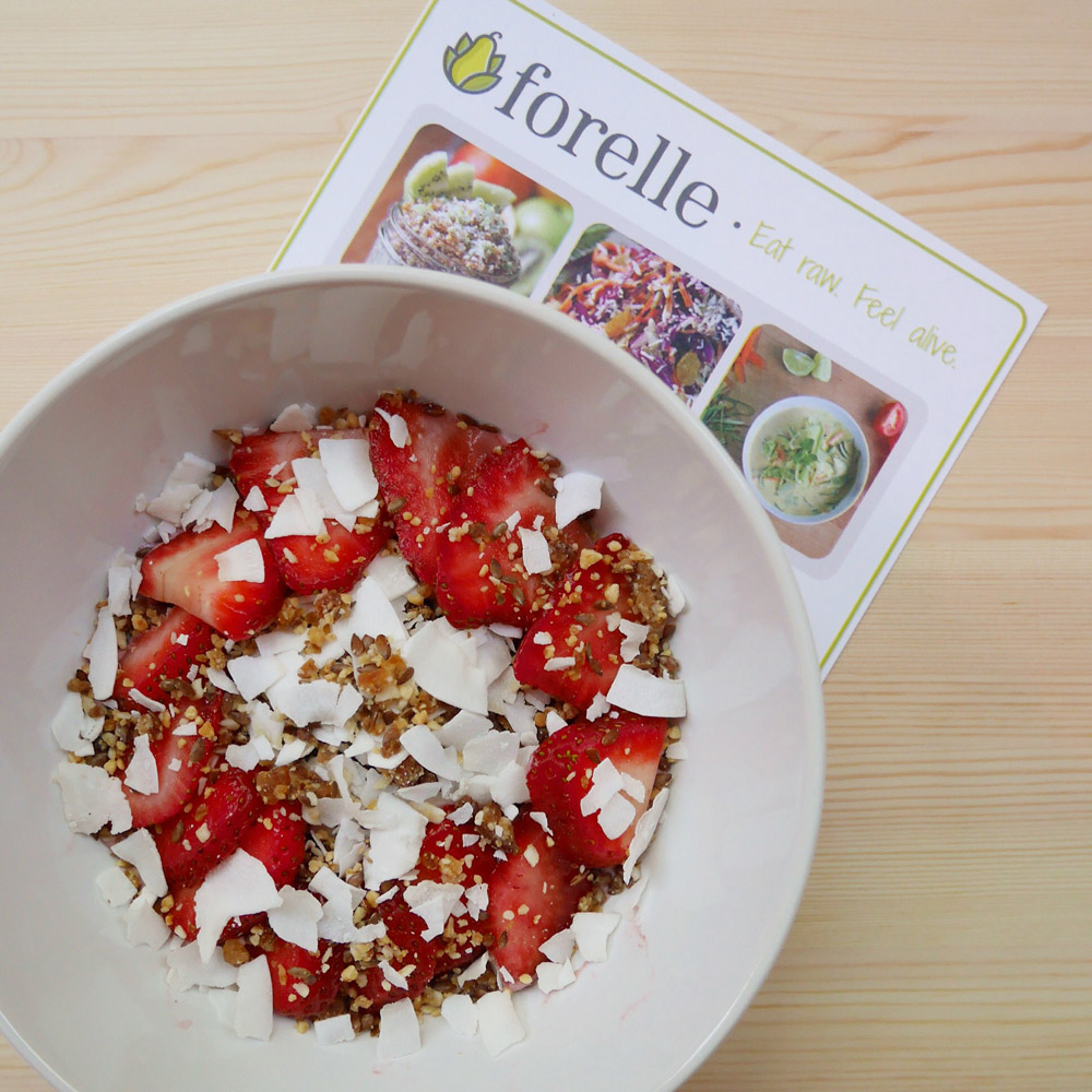 Strawberry Breakfast Bowl, Forelle Raw Vegan Plant-Based Meal Delivery, Portland