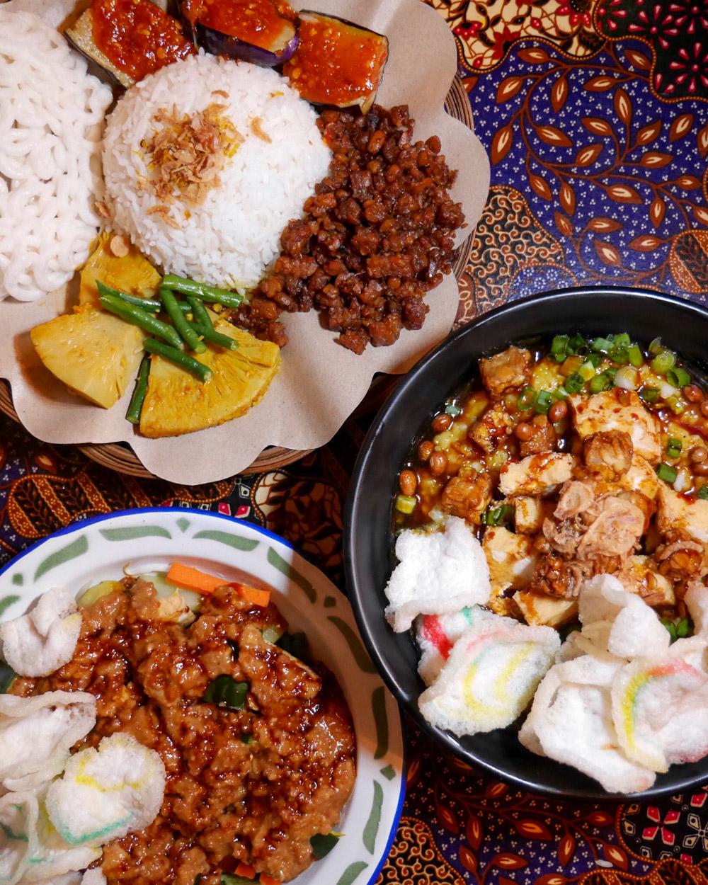 Wajan Indonesian Gado Gado, Porridge, Nasi Campur